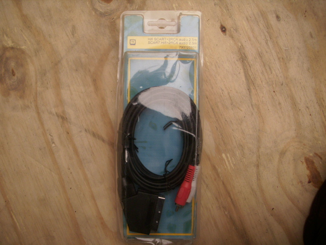 Scart - 2RCA audio kabel 2.5 meter